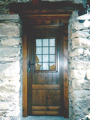 Porte d 39 ingresso falegnameria cigalotti for Piccole foto di cabine rustiche